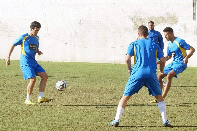 UD-Melilla-Entrenamiento-26-11-14