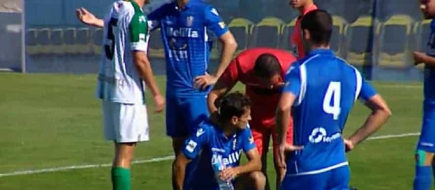 Nacho fue atendido tras recibir el impacto de los tacos de Ezequiel en la cara, según recoge el acta.