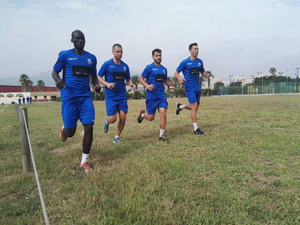 David Vázquez (2ºI), entrenando con sus compañeros en las instalaciones de La Hípica