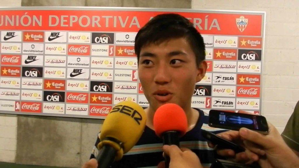 Kiu, atendiendo a los medios tras un partido con la Unión Deportiva Almería