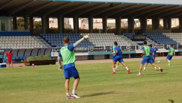 La U.D. Melilla vuelve a los entrenamientos en el Álvarez Claro